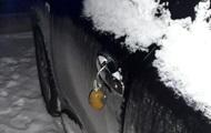 У Рівному до автомобіля поліцейського прив'язали гранату