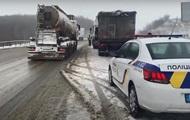 Захід України паралізував сніг