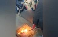 Водій тролейбуса факелом відігрівала двигун