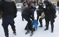 Число задержанных в России превысило 4 тысячи
