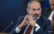 У Вірменії Радбез закликав президента звільнити главу Генштабу