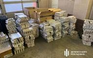 Працівників посольства України в Польщі спіймали на контрабанді