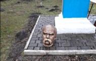 На Прикарпатті знайшли вандалів, які обезголовили пам'ятник Шевченку