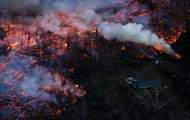 В Гватемале поток лавы из вулкана Пакая достиг жилых домов