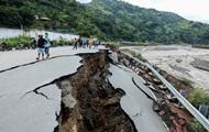 В Индонезии число жертв наводнений выросло до 157