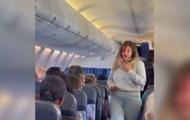 Пассажирки рейса самолета из Турции устроили драку