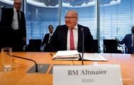 Берлин: Судьба СП-2 решится в течение года