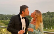 Перис Хилтон в «трениках», поцелуй и ВСУ: фото дня