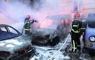 У Львові вночі згоріли три автомобілі