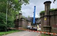 В Нидерландах строительный кран разрушил памятник истории