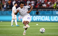 Кунде удален в матче против Боснии и пропустит встречу с Украиной
