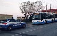 Мужчина с ножом ранил пятерых человек в Италии