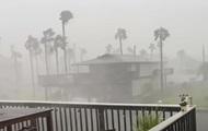 Ураган Николас ослаб до шторма и обрушился на США