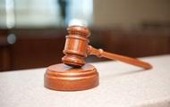 Поліцейським винесли вирок за крадіжку 42 млн у злодія