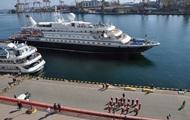 Круизный лайнер встречали в Одессе с оркестром