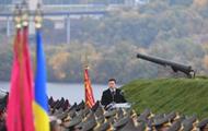 Зеленський прийняв присягу у військових ліцеїстів на Хортиці