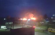 На Волыни возник масштабный пожар на складах