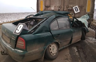 В Кировоградской области Skoda столкнулась с грузовиком: три жертвы