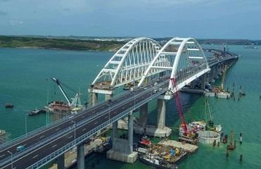 По Крымскому мосту запущено автомобильное движение