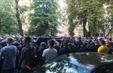 Полиция задержала протестующего под Радой