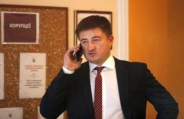 Глава Госрезерва отпущен под личное обязательство