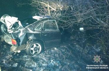 В Ровно водитель попал в аварию, убегая от полиции