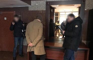 Полиция задержала на взятке чиновника Минрегионстроя