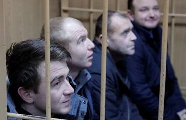 Радость встречи и новый арест. Суд над моряками