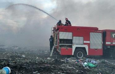 Пожар на свалке в Черновицкой области потушили