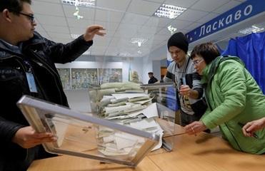 В Луцке выкрали документы и печать избирательной комиссии