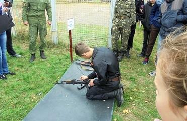 Кабмин одобрил тюремный срок за вовлечение детей в вооруженные структуры