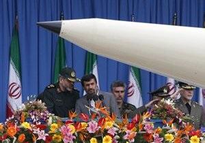 Ахмадинежад: Армия Ирана настолько мощна, что никто не посмеет напасть