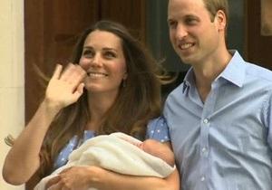 Новорожденный британский принц впервые показался на публике