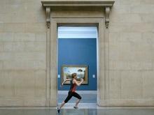 Живые бегающие спортсмены стали экспонатом музея