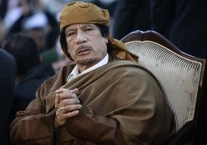 Страны Большой восьмерки призвали Каддафи отдать власть