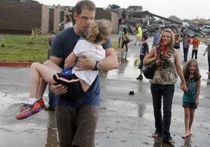 Помоги! Я не могу дышать. Мой дом лежит на мне. Свидетельства очевидцев торнадо в Оклахоме