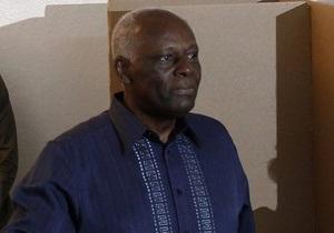 Душ Сантуш опять стал президентом Анголы
