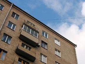 В Ужгороде женщина упала с крыши девятиэтажки и выжила