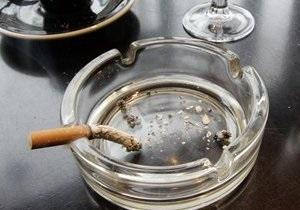 Курильщики намерены через суд добиваться отмены закона, запрещающего курение в общественных местах