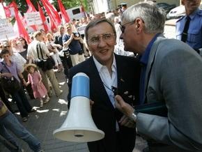 Блок Кличко: Черновецкий намерен ввести налог на воду из бюветов