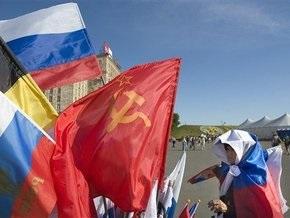 Россиянин украл семь флагов, чтобы сшить из них одеяло