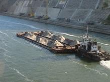 Баржа заблокировала канал Дунай - Черное море