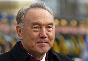 Назарбаев пообещал оставаться президентом Казахстана как можно дольше