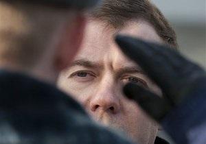 Медведев неожиданно прибыл в Дагестан, где накануне произошел двойной теракт