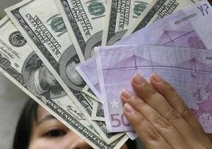 Доллар на межбанке немного подешевел