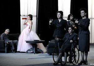 В немецком театре Рузвельта, Черчилля и Сталина играют женщины