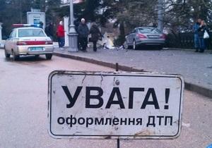 В Симферополе Жигули врезались в толпу людей на остановке. Два человека погибли