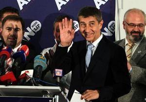 На виборах у Чехії лідирують ліві та словак-мільярдер