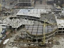 В Киеве началось уничтожение ТРЦ Троицкий