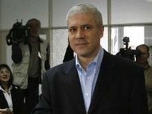 Exit-poll: Тадич лидирует на выборах в Сербии